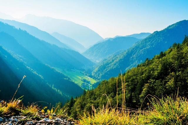 人口密度の低い山